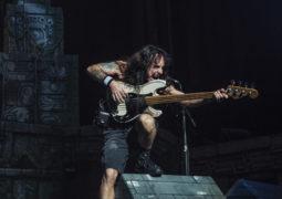 """Steve Harris: como era o som do """"Influence"""", primeira banda do baixista?"""