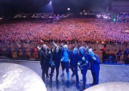 "Blind Guardian: confira a versão de ""Mirror Mirror"" de ""Live Beyond The Spheres"""
