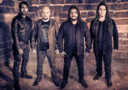 "Dark Avenger: confira o lyric vídeo de ""The Beloved Bones"""