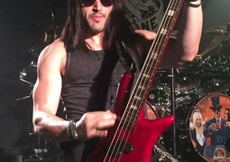 Baixistas: David Z (Adrenaline Mob)
