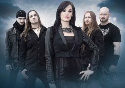 Xandria anuncia saída de vocalista, que acusa a banda de não ajudá-la com seus problemas de saúde