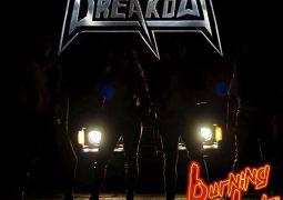Resenha: Breakout – Burning Lights (2017)
