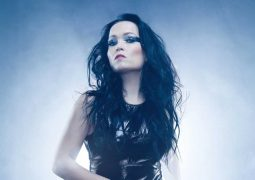 Tarja Turunen: cantora revela detalhes sobre o álbum 'From Spirits and Ghosts (Score for a Dark Christmas)'