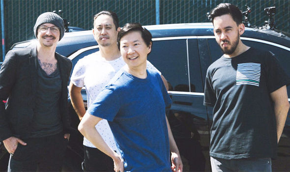 Linkin park banda participa do carpool karaoke junto com o ator ken linkin park banda participa do carpool karaoke junto com o ator ken jeong roadie metal stopboris Image collections