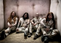 "Machine Head: Robb Flyinn fala sobre a direção da banda no álbum ""Catharsis"""