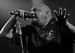 """Paul Dianno: """"…Vince Neil, Jon Bon Jovi e Axl Rose como vocalistas são nota ZERO"""""""