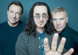 """Rush: Guitarrista Alex Lifeson diz """"nós não temos intenção de gravar algo novo ou sair em turnê. Nós acabamos"""""""