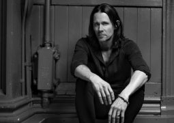 "Myles Kennedy: lançado lyric video de ""Haunted By Design"""