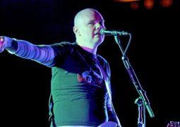 Smashing Pumpkins: banda vai se reunir pra comemoração do 30º aniversário