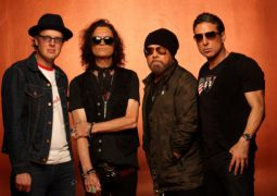 "Black Country Communion: Confira o novo vídeo clipe, ""The Crow"""